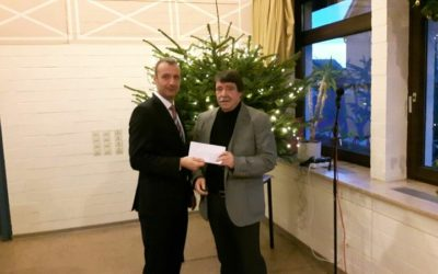 Spendenübergabe an den Kirchenbauverein